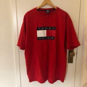 Tommy Hilfiger big logo t shirt
